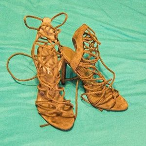 HERSTYLE Army green strappy heels, 7 1/2